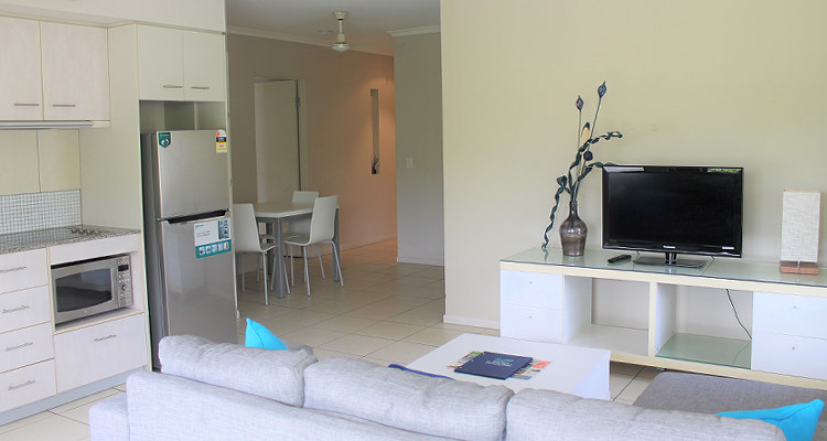 Two Bedroom Holiday Apartment Sea Point On Trinity Beach